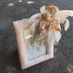 Porcelain Fairy Doll Floral Lace Picture Frame 🖼